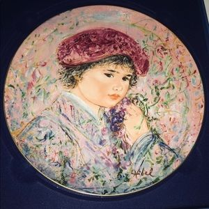 New Edna Hibel Plate Le Marquis Maurice Pierre